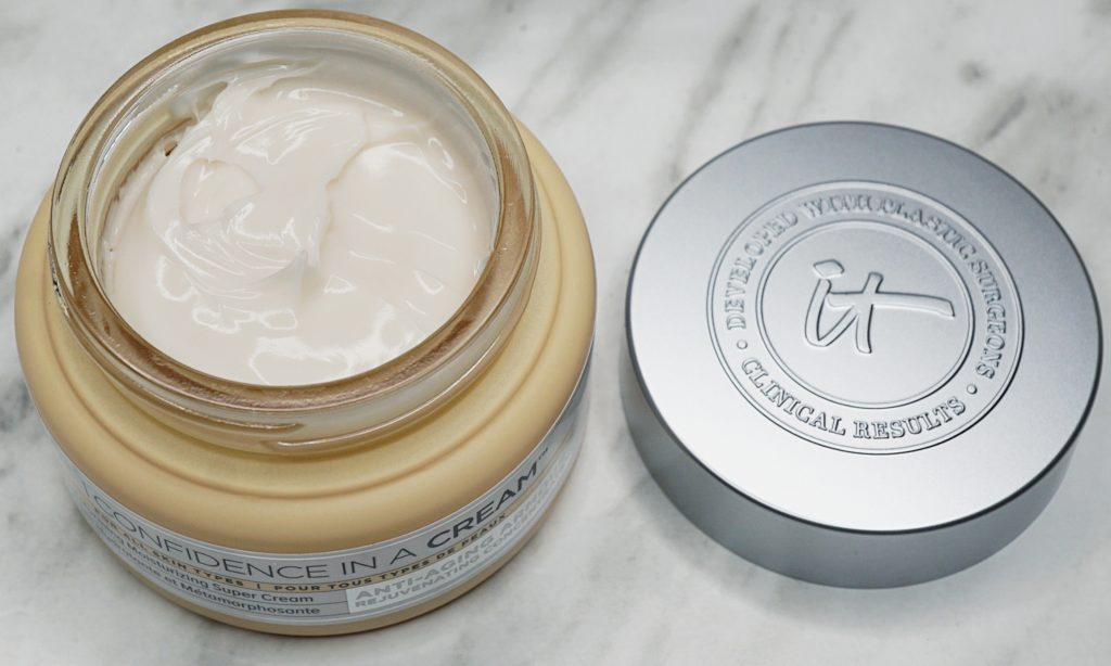 IT Cosmetics - Confidence in a Cream